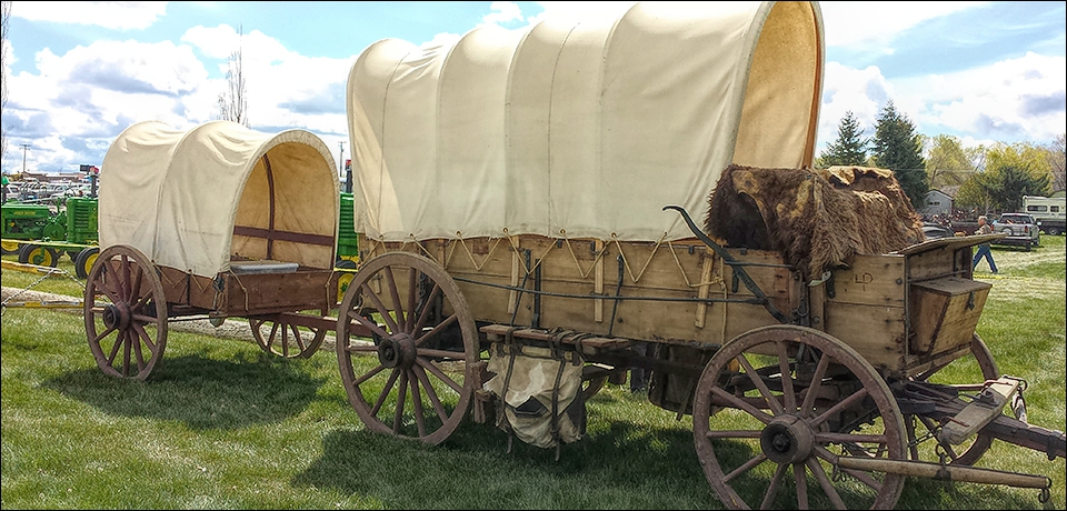 covered-wagon-with-smaller-wagon